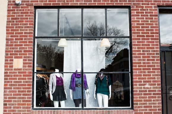 Clothing stores online. Kara clothing store