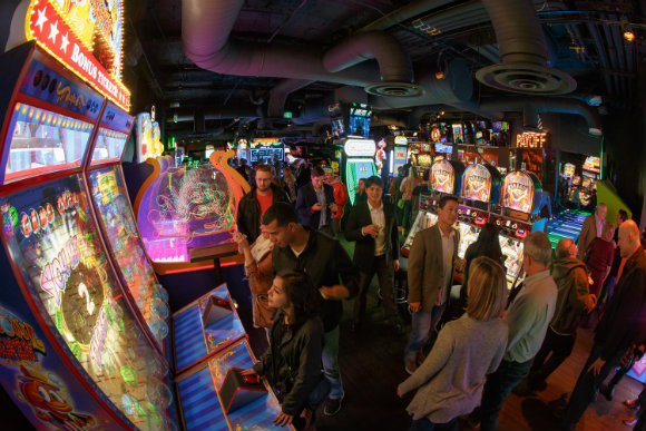 FTW features more than 100 arcade games.