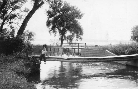 High Line Canal at Dry Creek on July 24, 1935.