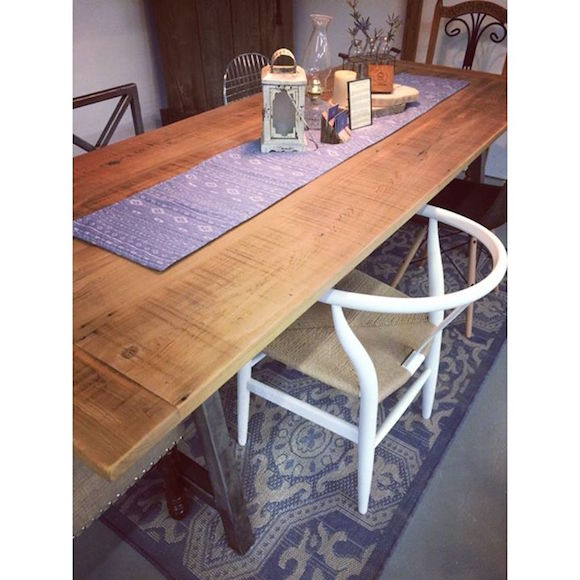 Old Wood Soul TenTable table